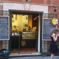 Photo prise au Pasta Imperiale par Lukas K. le9/27/2013