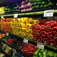 Das Foto wurde bei Whole Foods Market von Fauzee N. am 10/24/2013 aufgenommen