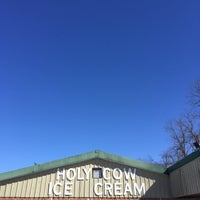 Photo taken at Holy Cow Ice Cream by Fauzee N. on 3/19/2017
