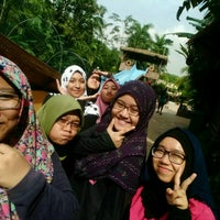 Photo taken at Wet World Shah Alam by Puteri D. on 1/19/2017
