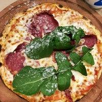 1/5/2016 tarihinde Deniz K.ziyaretçi tarafından Pizza Locale'de çekilen fotoğraf