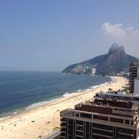 Das Foto wurde bei Everest Rio Hotel von Aline Q. am 5/2/2013 aufgenommen