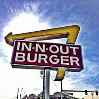 Photo taken at In-N-Out Burger by Jose H. on 12/9/2012