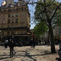 Photo taken at Boulevard de Bonne Nouvelle by Sabri A. on 4/21/2017