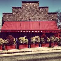 รูปภาพถ่ายที่ Bouchon โดย Brooks F. เมื่อ 2/15/2013