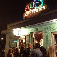 3/24/2013 tarihinde Antonio Cosmin I.ziyaretçi tarafından Amy's Ice Creams'de çekilen fotoğraf