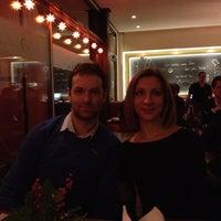 Foto scattata a Schmidt's Restaurant da 🎱 Andrei S. il 12/31/2013