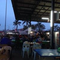 Photo taken at Medan Selera Butterworth Bus Terminal by Abd Rahman on 1/16/2014