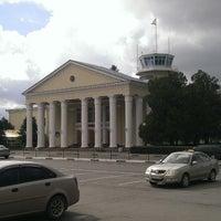 Foto diambil di Международный аэропорт Симферополь oleh Андрей Г. pada 9/22/2013