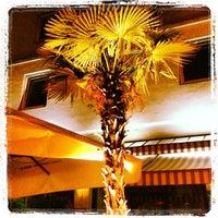 Das Foto wurde bei Café Central von Two Beers am 8/28/2013 aufgenommen