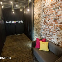 Foto scattata a Questomania Escape Rooms da Виктория А. il 8/18/2015