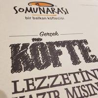 รูปภาพถ่ายที่ Somunarası (Bir Balkan Köftecisi) โดย Hayrettin S. เมื่อ 3/26/2018