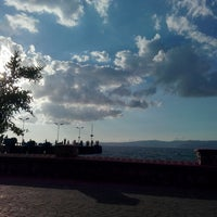 Photo taken at ahşap çaybahçesi by Servet B. on 7/10/2016
