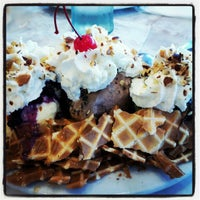 Photo taken at Farrell's Ice Cream Parlour by Cindy C. on 10/19/2012