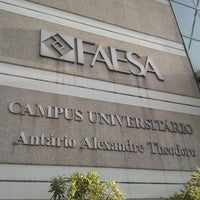 Photo taken at Faculdades Integradas Espírito-Santenses (FAESA) by Ariel L. on 2/21/2013