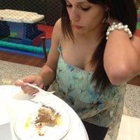 Photo taken at Amor aos Pedaços by Wilson R. on 12/16/2012