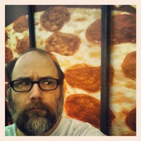 Photo taken at Hungry Howie's Pizza by Wizzard on 7/9/2013