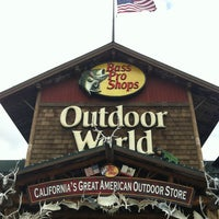 Photo taken at Bass Pro Shops Outdoor World by Mike n Joi on 4/6/2013