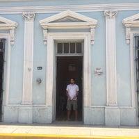 Photo prise au Bar latino par Edgar C. le5/30/2015