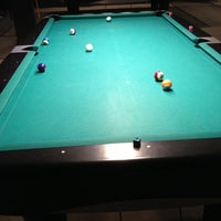 Photo prise au Pressure Billiards & Cafe par Eric M. le2/15/2013