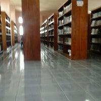 Photo taken at Badan Perpustakaan dan Arsip Provinsi Bali by lukman hakim p. on 10/21/2012