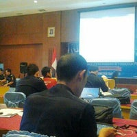 Photo taken at KPP Bea dan Cukai Tipe Madya Pabean Tangerang by Fauzan A. on 7/17/2013