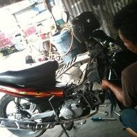 Photo taken at Sahabat Motor by Anggaa P. on 1/24/2014