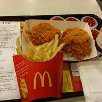Photo taken at McDonald's & McCafe by Atiqah S. on 4/8/2017