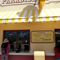 Photo taken at Paradise Pier Ice Cream Co. by Cyrus H. on 9/11/2017