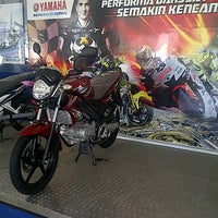 Photo taken at Sentral Yamaha Jember by Sugeng S. on 3/23/2013