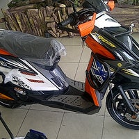 Photo taken at Sentral Yamaha Jember by Sugeng S. on 6/10/2013