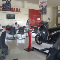 Photo taken at Sentral Yamaha Jember by Sugeng S. on 3/14/2014