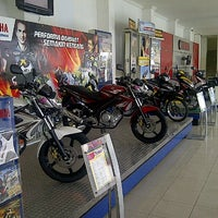 Photo taken at Sentral Yamaha Jember by Sugeng S. on 3/30/2013