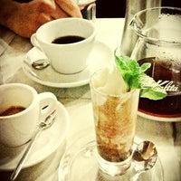 Foto tirada no(a) Tamp & Pull Espresso Bar por DOMI em 2/13/2013