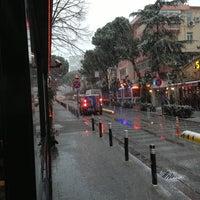 1/7/2013 tarihinde Hüseyin B.ziyaretçi tarafından Caddebostan Barlar Sokağı'de çekilen fotoğraf