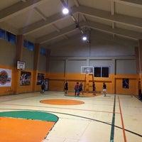 Photo taken at Zehra Gürbüz Spor Salonu by Ahmet P. on 5/2/2016