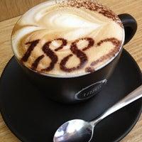 Photo prise au Caffè Vergnano 1882 par Lee O. le2/22/2013