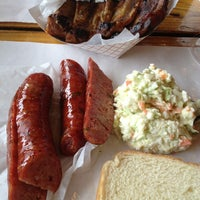 Photo taken at Rudy's Country Store & Bar-B-Q by Lee O. on 7/14/2013