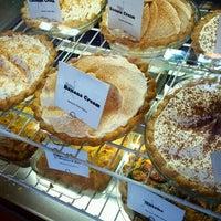 8/8/2016 tarihinde Diana M.ziyaretçi tarafından Random Order Pie Bar'de çekilen fotoğraf