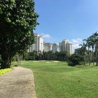 รูปภาพถ่ายที่ Pondok Indah Golf Club House โดย IA A. เมื่อ 8/17/2016