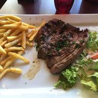 Photo taken at Métro Café by Fernando on 10/2/2015