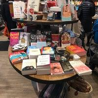 Снимок сделан в Book Culture пользователем Lauren D. 3/18/2017