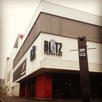 Photo taken at 横浜BLITZ by Ken I. on 7/15/2013