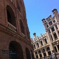 Foto tomada en Plaça de Bous de València | Plaza de Toros de Valencia por Jonathan N. el 6/4/2013