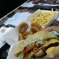 Foto tirada no(a) Burger King por Andrei O. em 3/29/2013