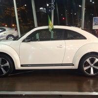 Foto tirada no(a) Volkswagen Frankfurt por Larissa M. em 9/14/2013