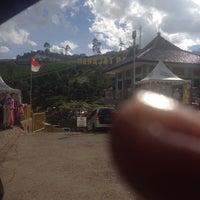Foto diambil di Puncak darajat, garut oleh prima m. pada 1/11/2015