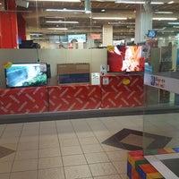 Foto tirada no(a) Lojas Americanas por Lívia G. em 8/5/2017