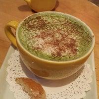Das Foto wurde bei Yellow Cup Cafe von Rhica am 1/3/2016 aufgenommen