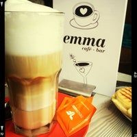 Das Foto wurde bei emma Café-Bar von Markus am 5/3/2014 aufgenommen